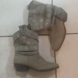 Tan Jeweled Justice Boots - Size 5